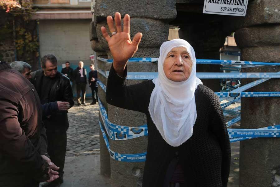 77 yaşındaki kadına 5 bin 500 TL ceza