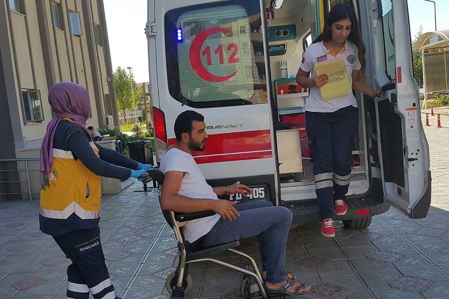 Kahta'da yolcu minibüsü devrildi, 4 kişi yaralandı