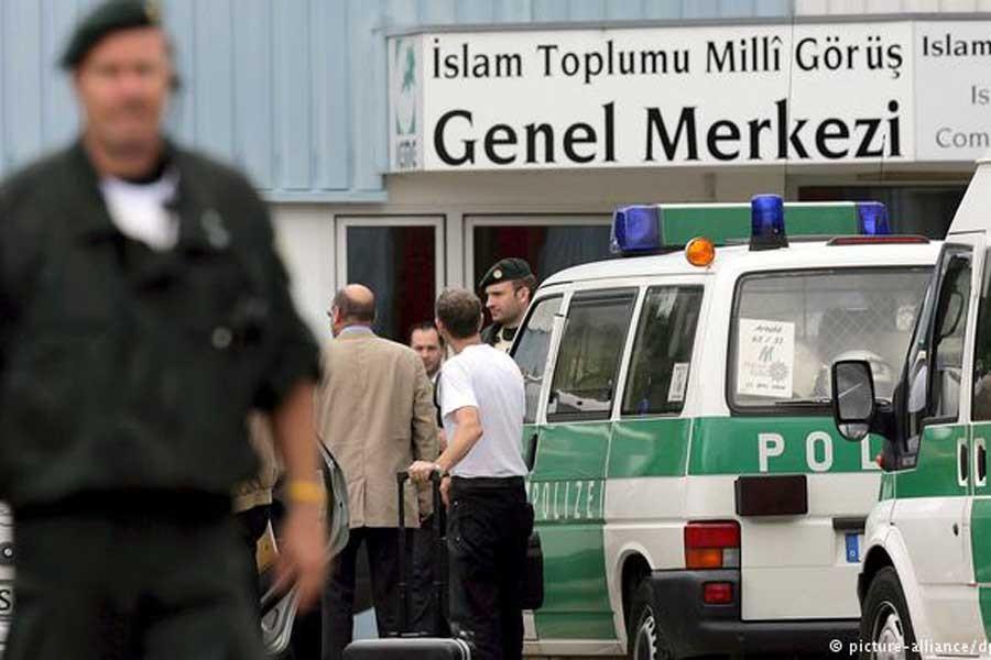 Almanya'daki Milli Görüş davasının ilk duruşması görüldü
