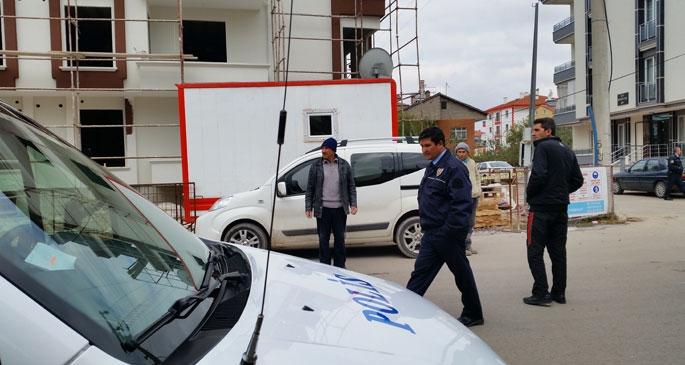 Elektrik akımına kapılarak inşaattan düşen işçi ağır yaralandı