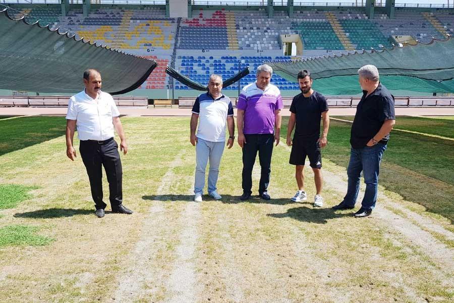 GAP Stadyumu'nun çimleri sıcaktan kurudu