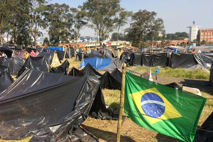 Brezilya'da 6 bin kişi konut talebiyle işgal eyleminde