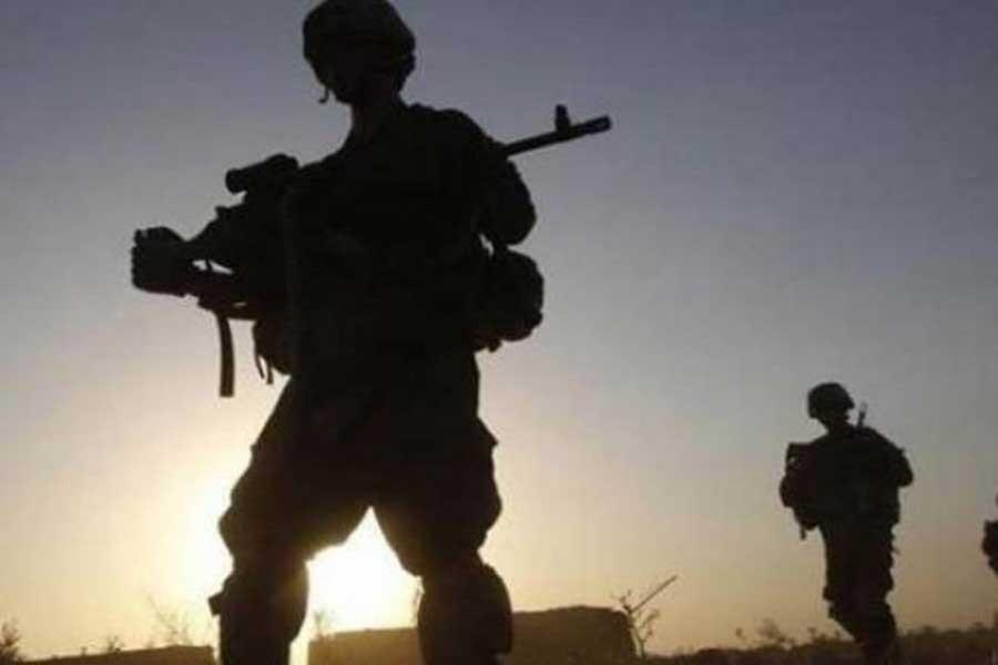 Çukurca'da üs bölgesine saldırı: 3 asker yaralı