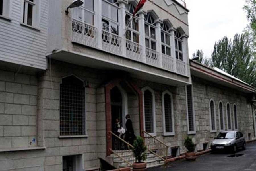 'Kiliseden çıkan Ermenileri 'Sizlere ölüm' diye taşladılar'