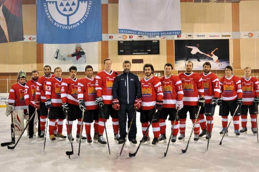Buz hokeyinde Continental Cup heyecanı