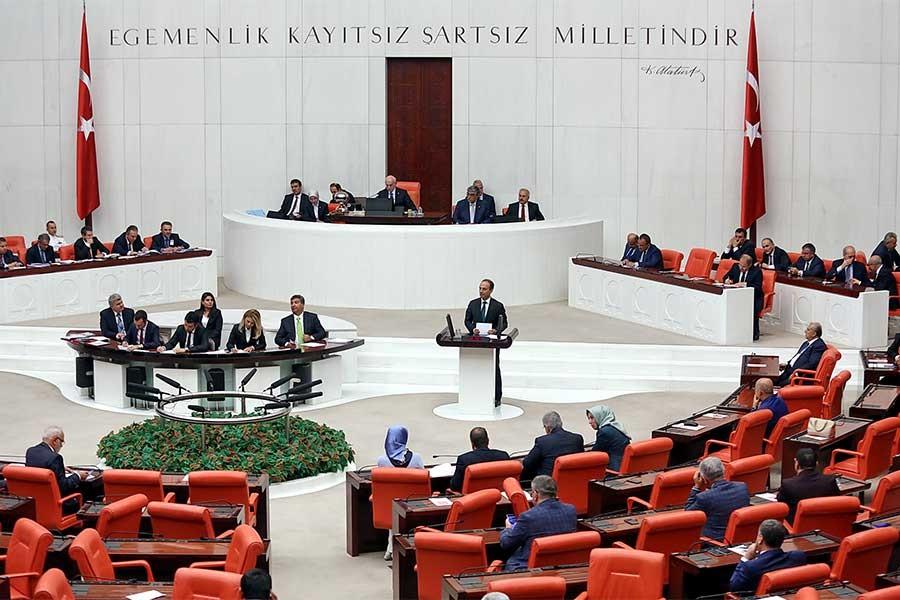 SAVAŞ TEZKERESİ KABUL EDİLDİ