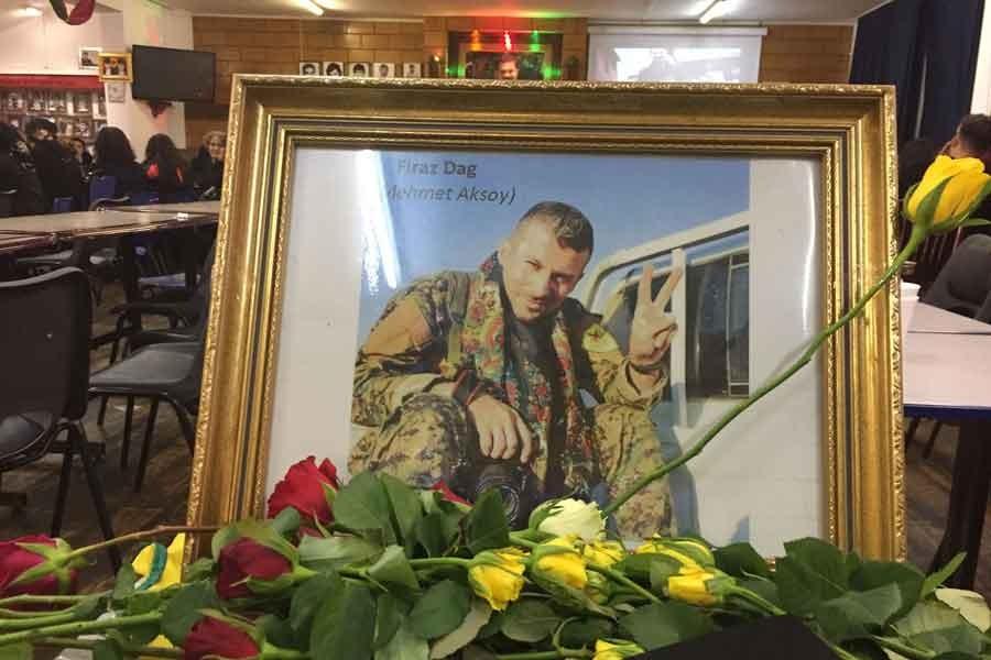 Londra'da binler Rakka'da öldürülen Aksoy için toplandı
