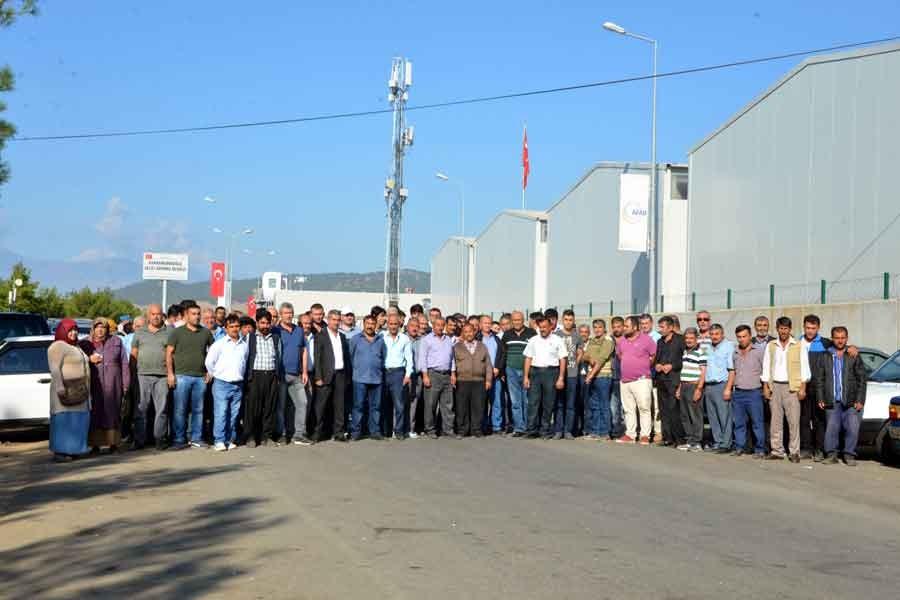 Barınma merkezinde işten çıkarılan işçiler eylem yaptı