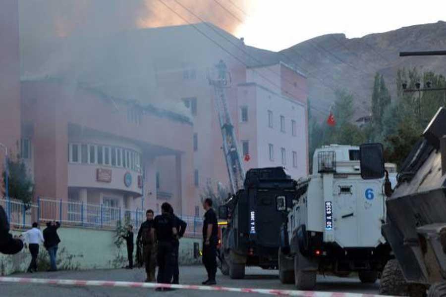 Hakkari'de öğrenci yurdunda yangın çıktı