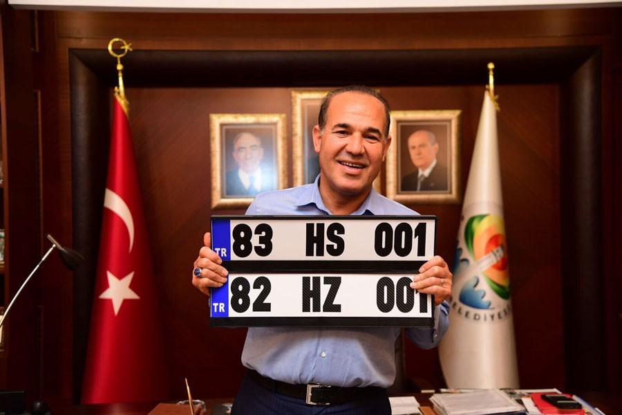 Adana Belediye Başkanı Sözlü'den Musul ve Kerkük plakası!