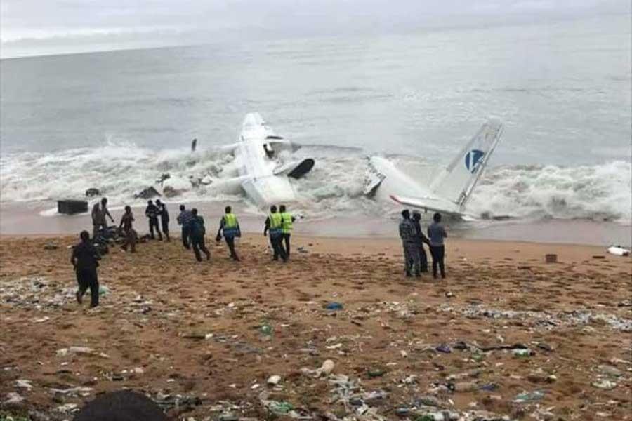 Fildişi Sahili'nde kargo uçağı düştü, dört ölü