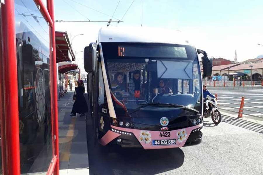 'Pembe trambüsler ayrımcılığı derinleştiriyor'