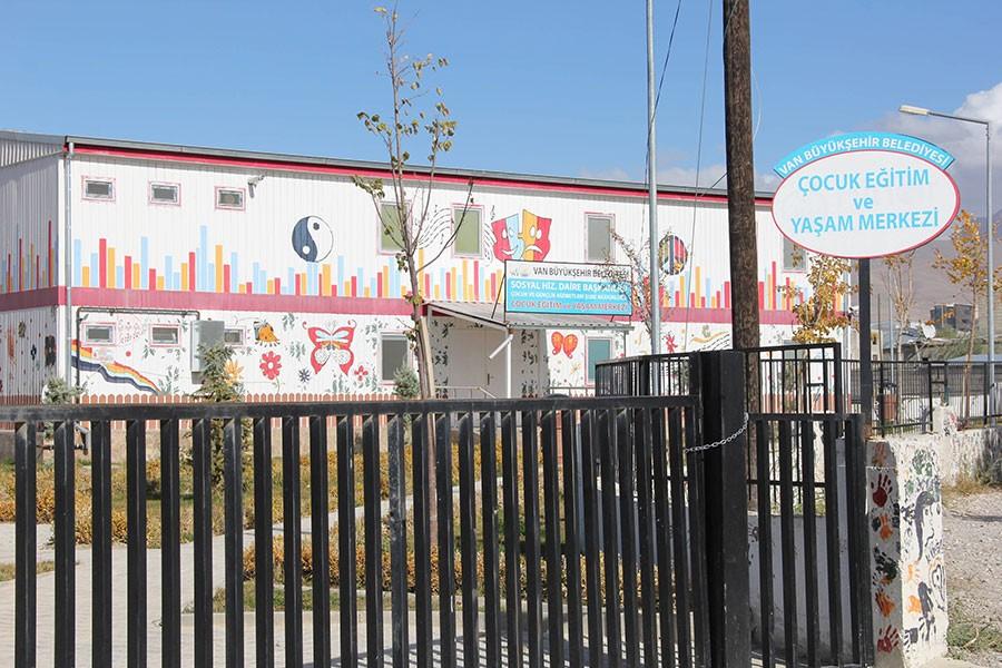 Van'da kayyım 'Çocuk Eğitim ve Yaşam Merkezi'ni kapattı!