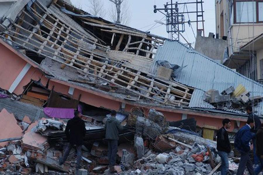 Van depreminin yaraları 6 yıldır sarılmadı, halk mağdur