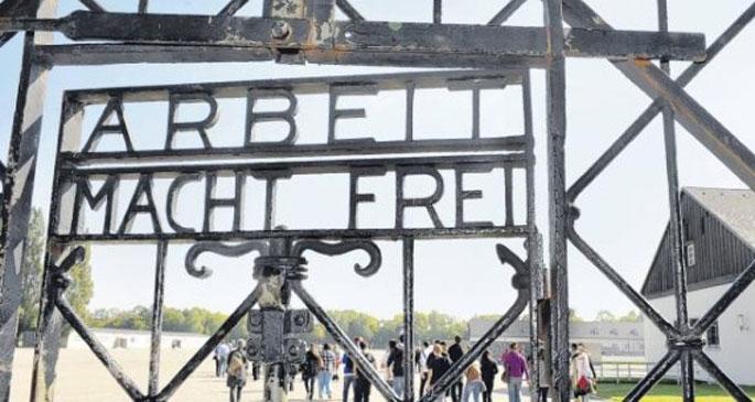 Dachau Nazi kampının tarihi kapısı çalındı