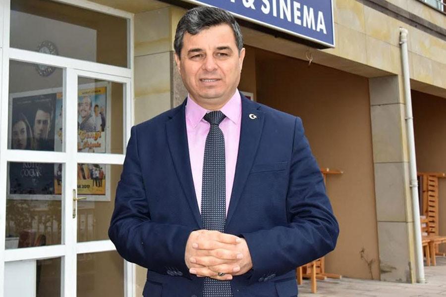 MHP'li İlçe Belediye Başkanı ve 7 meclis üyesi  istifa etti