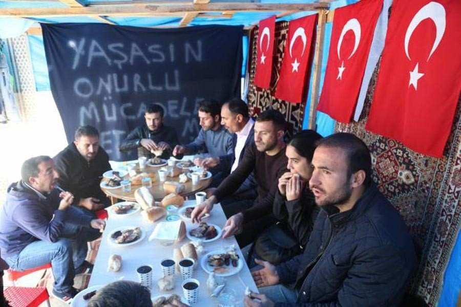 Direnişteki Akkim işçileri: Taşerona karşı birleşelim