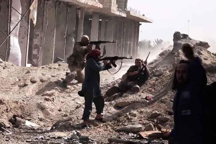 Suriye ordusu IŞİD'in son kalesi Elbukemal'i ele geçirdi