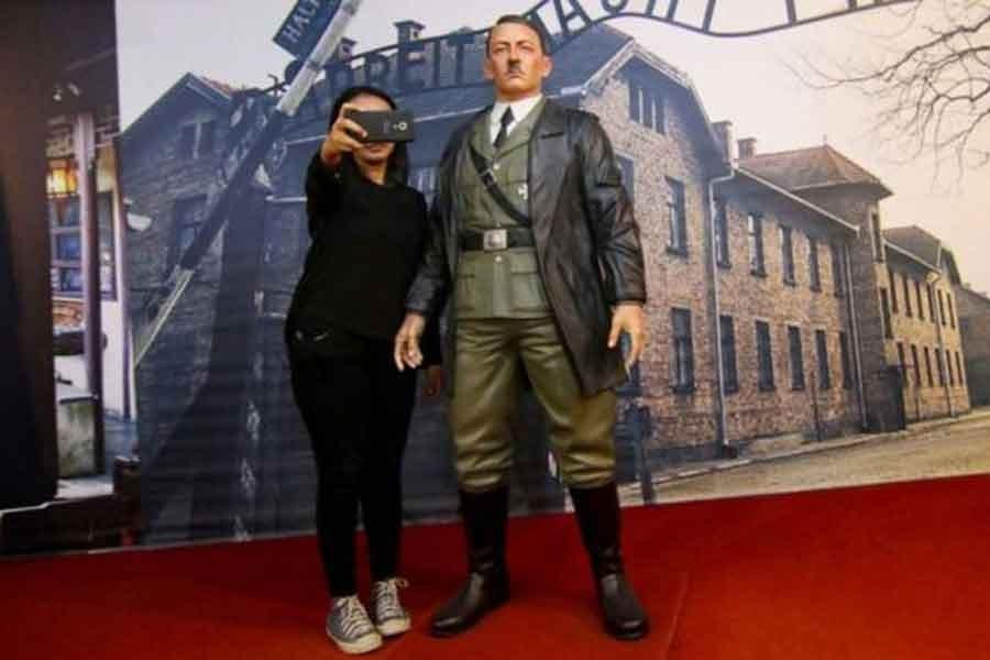 Endonezya'daki Hitler heykeli kaldırıldı