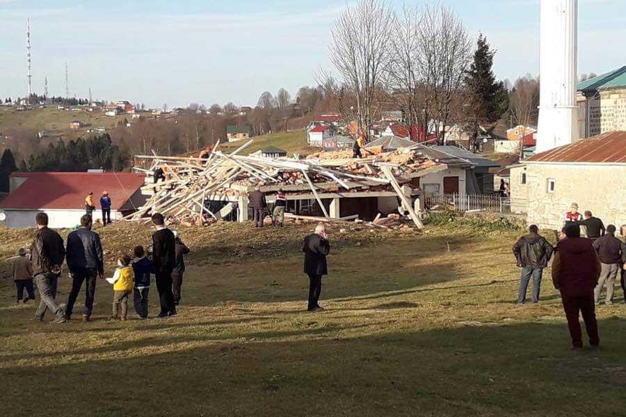 Trabzon'da cami inşaatında göçük: Ölü ve yaralılar var