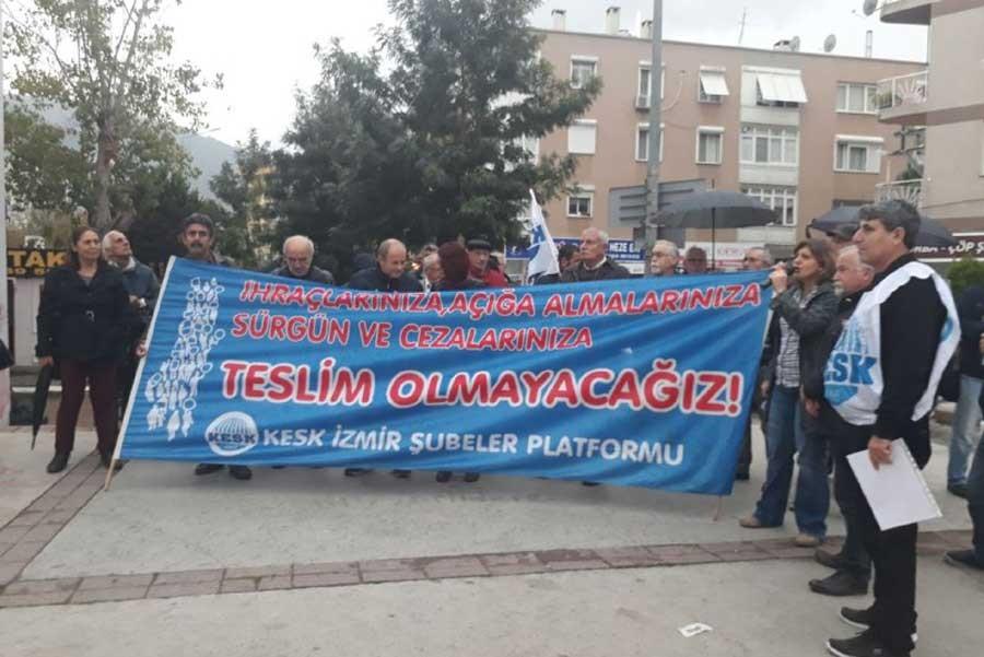 KESK İzmir'in KHK'lara karşı eylemleri sürüyor