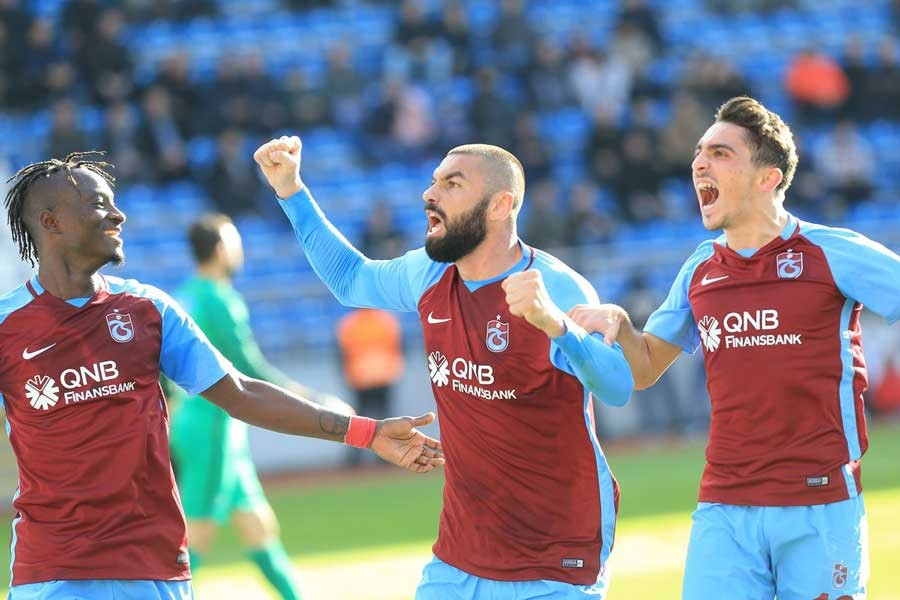 Trabzonspor, deplasmanda attığı 3 golle Kasımpaşa'yı devirdi