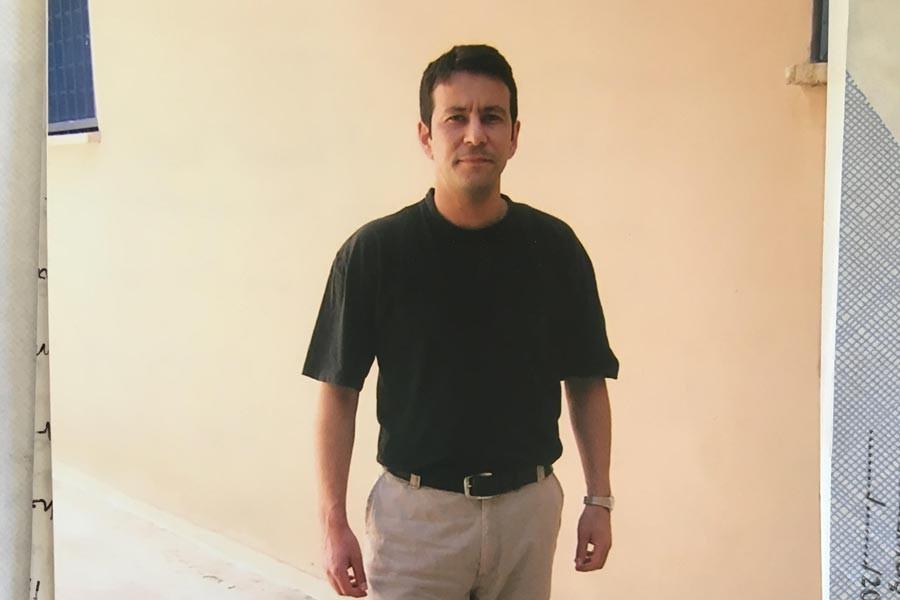 21 yıldır tutuklu olan Yazar Murat Saat yaşamını yitirdi