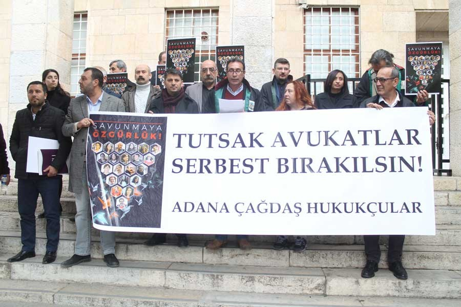'Tutuklu avukatlar serbest bırakılsın'