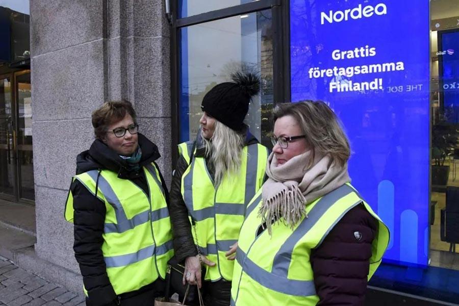 Finlandiya'da çalışanlar grevde, bankalar kapalı