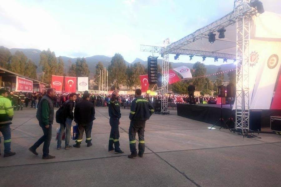 İSDEMİR işçileri: Çelik-İş satış sözleşmesine imza attı