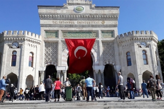 İstanbul Üniversitesi öğrencileri: Ekonomi temel sorun