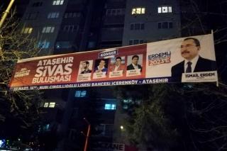 Okullarda yasağa rağmen AKP propagandası sürüyor