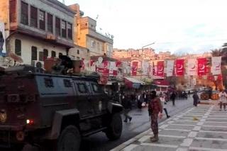Seçim bürosuna saldırı: Urfa'da Saadet Partili kişi bacağından vuruldu