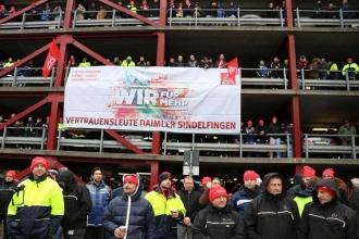 Almanya'da Mercedes işçilerinden uyarı grevi