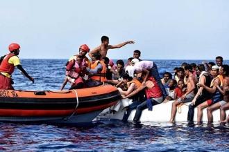 Akdeniz'de bin 400 mülteci kurtarıldı