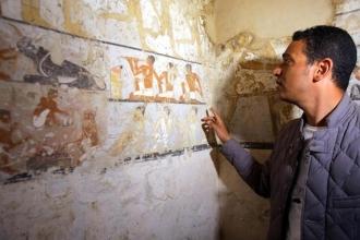 Mısır'da 4 bin 400 yıllık kraliyet görevlisi mezarı bulundu
