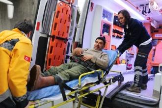 İşçi servisi TIR'a çarptı: 7 işçi yaralı