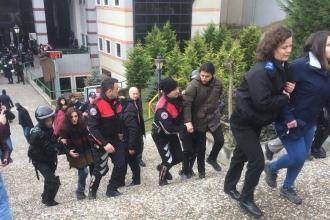İş cinayetini protesto eden KOÜ öğrencilerine polis saldırdı