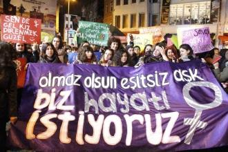 Kadınlardan 14 Şubat protestosu: Olmaz olsun eşitsiz aşk