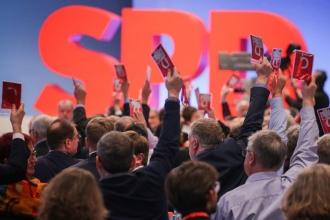 Merkel'le koalisyona karşı çıkan SPD'liler örgütleniyor