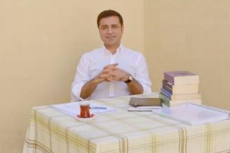Selahattin Demirtaş'ın kendi röportajını okuması 'tehlikeli' bulundu!
