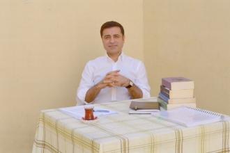 Demirtaş: TRT'ye çıksam geçmişte söylediklerim için özür dilerim