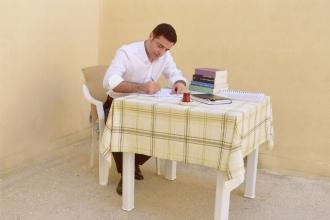 Demirtaş: Ben içeride çayımı yudumlarken diğer adaylar cefayı çekiyor