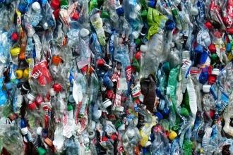 Brezilyalı köylüler plastik kirliliğini kâra çeviriyor