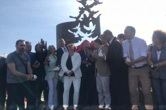 Gaziemir'de, Gazeteciler Parkı ve Basın Özgürlüğü Anıtı açıldı