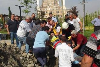 Çorum'da toprak kayması: 2 işçi yaralandı
