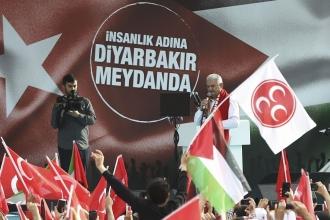 Diyarbakır'da konuşan Yıldırım: Zulümle abat olunmaz