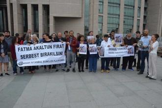 Kadıköy'de 'barış' dedikleri için tutuklanan 11 kişi tahliye edildi
