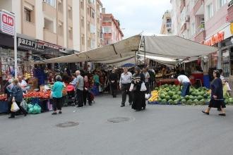 Avcılar çarşamba pazarında ekonomiyi sorduk: Pazar bile lüks oldu