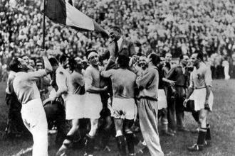 1934 İtalya: Dünya savaşa koşarken sahne faşizmin